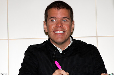 Celebrity gossip blogger Perez Hilton at Barnes & Noble book signing (Union Square, New York City, September 6, 2011)