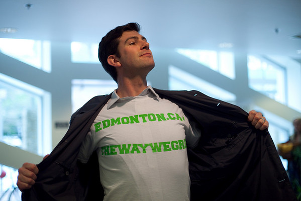 Councillor Iveson wearing a t-shirt created by a volunteer promoting The Way We Green website, thewaywegreen.ca