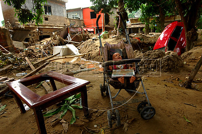 General view of the devastation caused by recent mudslides at Xerem neighbourhood, in Duque de Caxias, some 50 km north of Rio de Janeiro, Brazil, January 9, 2013. (Austral Foto/Stringer)