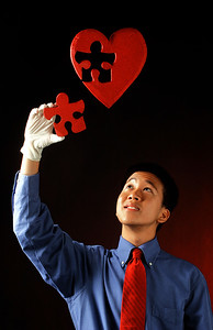 051606 - WEST PALM BEACH - Melvin La, senior at South Fork High who's goal is to become an a cardiologist. For story on graduating seniors career goals. staff photo by tim stepien