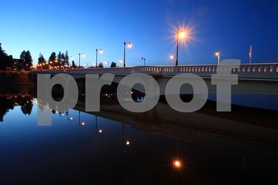 The 4th Avenue Bridge at night.