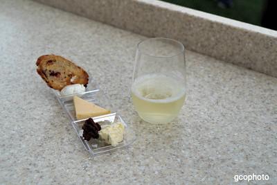 Wine & Dine Studio
