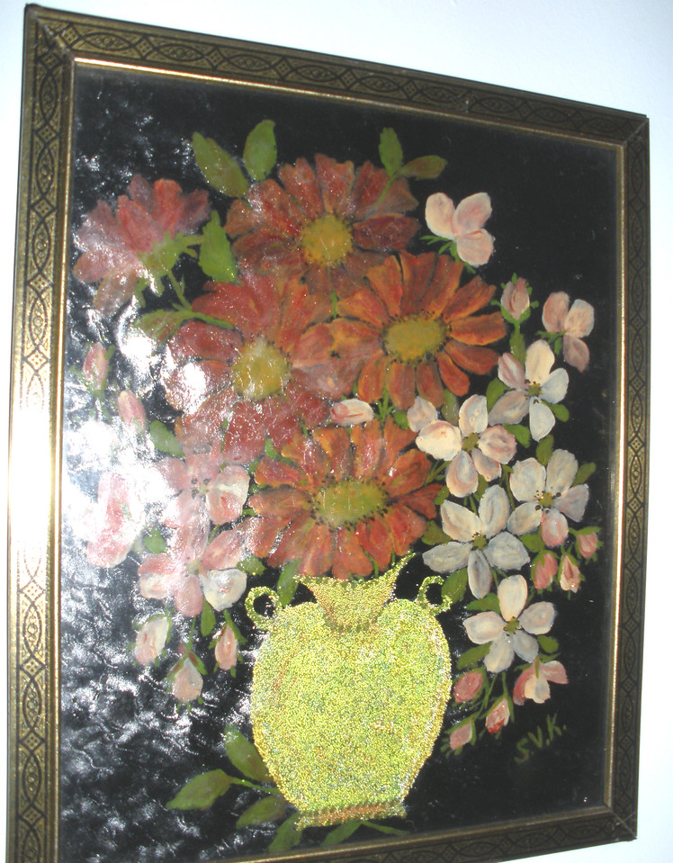 1932 Floral in Yellow Vase Susan Veronica Keating painting. This painting is painted on textured paper, rather than glass. The vase also seems to have some additional, granular texture, as if she added something to the paint. Property of Jane Bruton, Wilmington, DE. (Courtesy of Gotsch / Bruton)