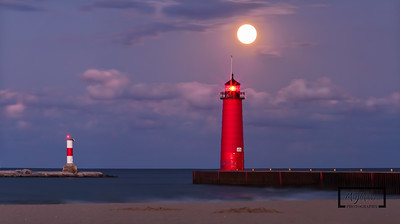 Moonrise over Kenosha Lighthouse  © Copyright m2 Photography - Michael J. Mikkelson 2009. All Rights Reserved. Images can not be used without permission.