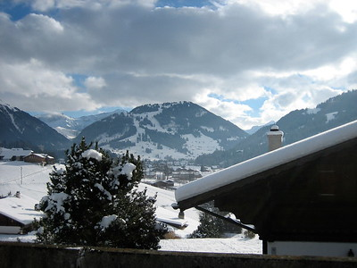 Day 2 - Photo 20 (Chalet Peek).JPG