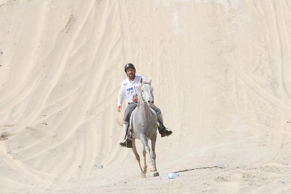16 JC in the sand dunes at Tora BoraIMG_1307