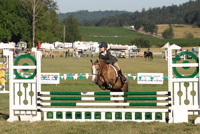 Natalie and 14Karat take a quick trip in the Jumper ring.