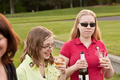 The CMPC gang enjoy some Martinelli's cider.