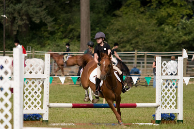 Natalie and Memo turn over a jump.