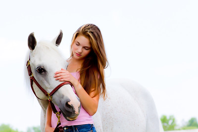 natalie-with-horses