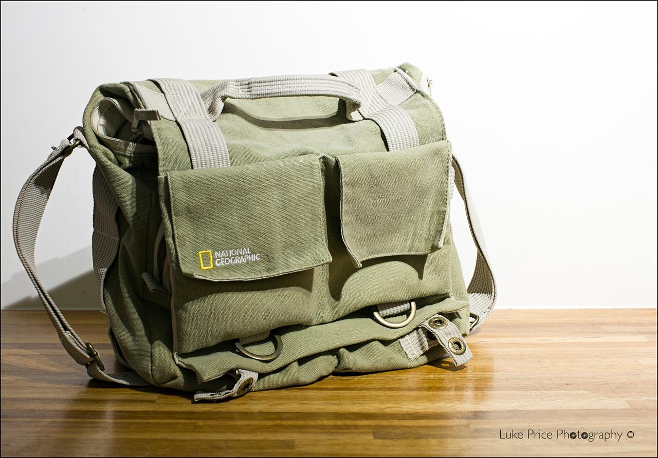 National Geographic Medium shoulder bag