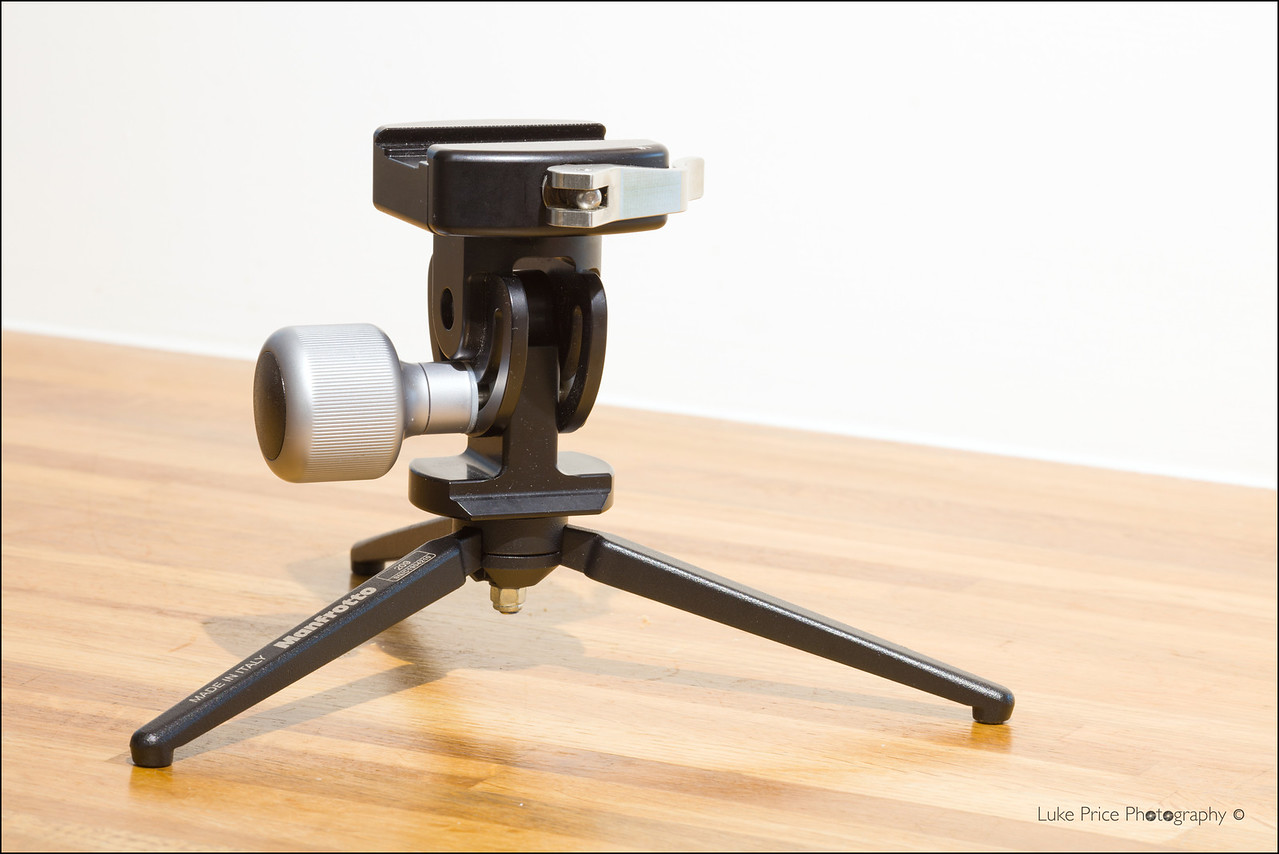 Really Right Stuff MH02 monopod head & Manfroto 209 table tripod