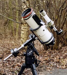 Lichtenknecker Optics Flat Field Camera, F = 500 mm f/3.5 on Losmandy GM-8