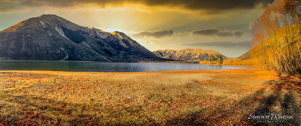 Orange hues of Lake Pearson