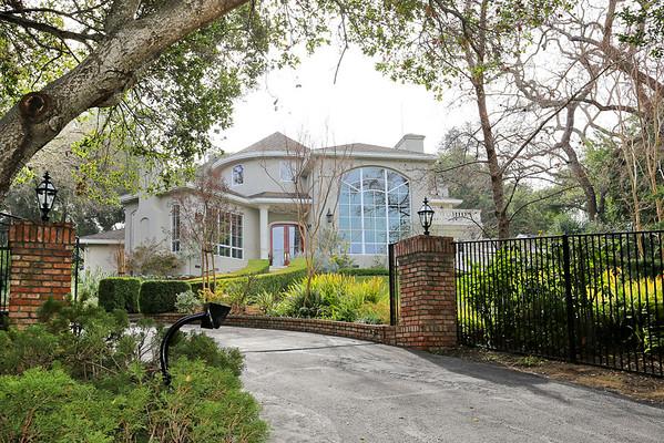 10580 Berkshire Dr, Los Altos, CA 94024