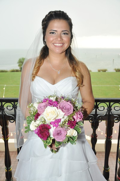 Beautiful wedding at The Powel Crosley State, Sarasota by Ann Coffman Photography