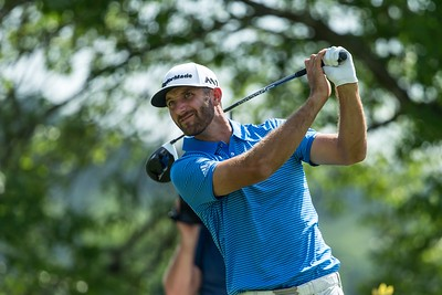 26-3-2017 PGA Tour 2017, WGC-Dell Match Play, Austin Country Club, Austin, TX, USA. 22 - 26 Mar. Dustin  Johnson of United States hits his tee shot on the par 5 sixth hole during the final.