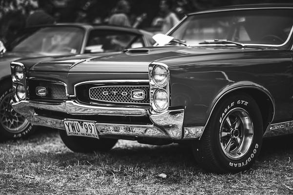 Black & White Cars