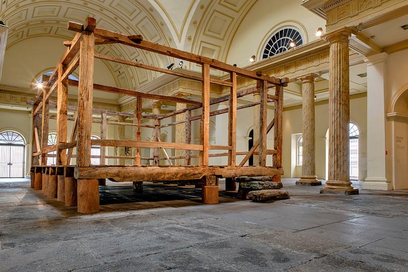 Tronco - instalação de Afonso Tostes