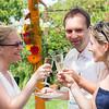 Jókedvű esküvő kerti partival