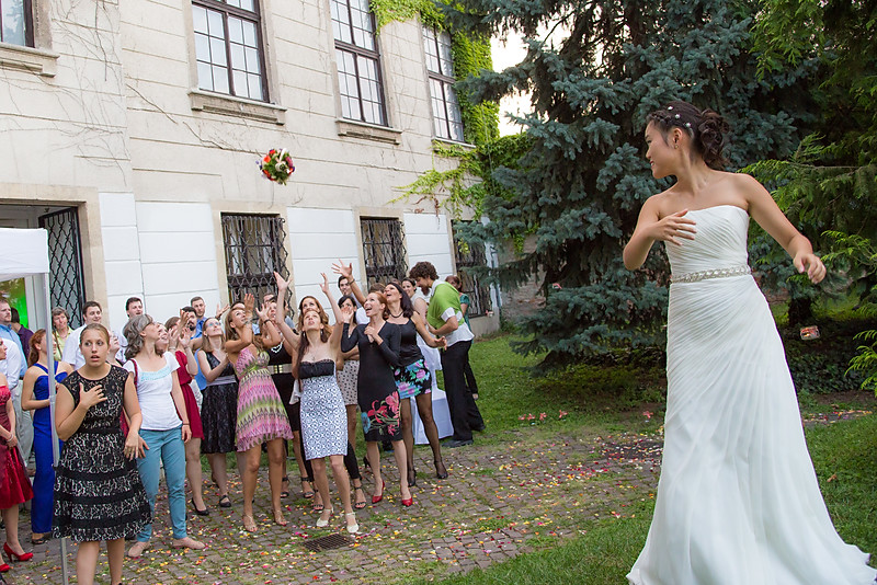 Csokordobás esküvőn a budai Várban