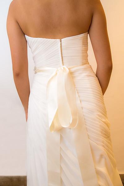 Szép Mennyasszonyi ruha hátulról