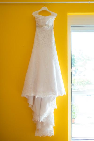 A menyasszonyi ruha gyönyörü volt!