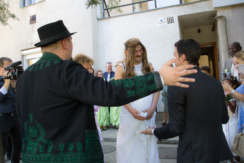 És jött a menyasszony... Szerencsére nem felelt meg neki :)