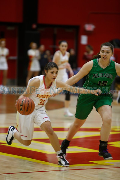 The first quarter of the Española Valley High School vs Pojoaque Valley High School at Española on Tuesday, January 22, 2019. Luis Sánchez Saturno/The New Mexican