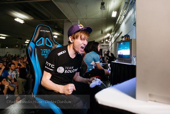 "William ""Leffen"" Hjelte reacts to his tournament win over Joseph ""Mango"" Marquez at Get On My Level in Toronto, Ontario on May 21, 2016."