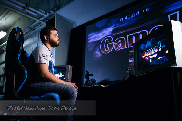 "Juan ""Hungrybox"" Debiedma reacts to winning a round against Joseph ""Mango"" Marquez at Get On My Level in Toronto, Ontario on May 21, 2016."