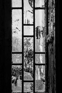 padiglione Charcot - vetri con grafie
