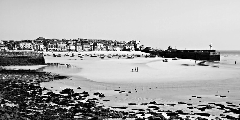St. Ives (Cornwall)<br /> (edited BW in PSE10 & Topaz Clean 3)