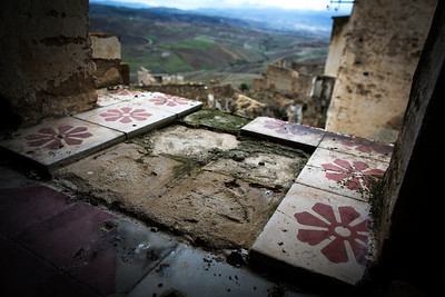 No More Tile - Craco