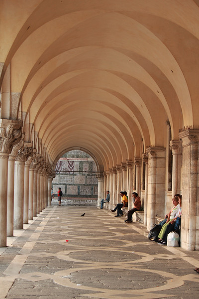 Market Arcade, Venice