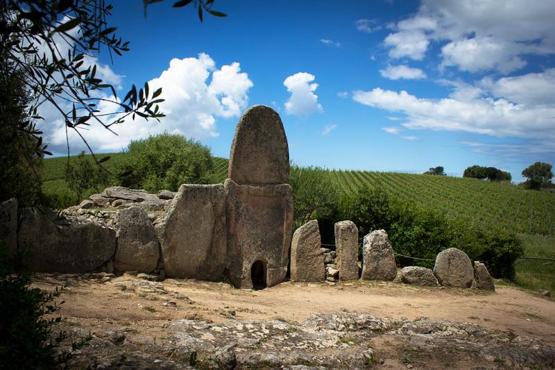 Tomba Dei Giganti, Sardinia