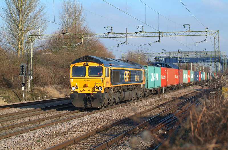 No surprise  as 66744 has been on 4M23 all week.<br /> However Saturday is the only day the train doesn't get put in the loop here.<br /> Witham 21.1.2017 11.52hrs. 4M23 10.34 Felixstowe N GBRf-Hams Hall GBRf.