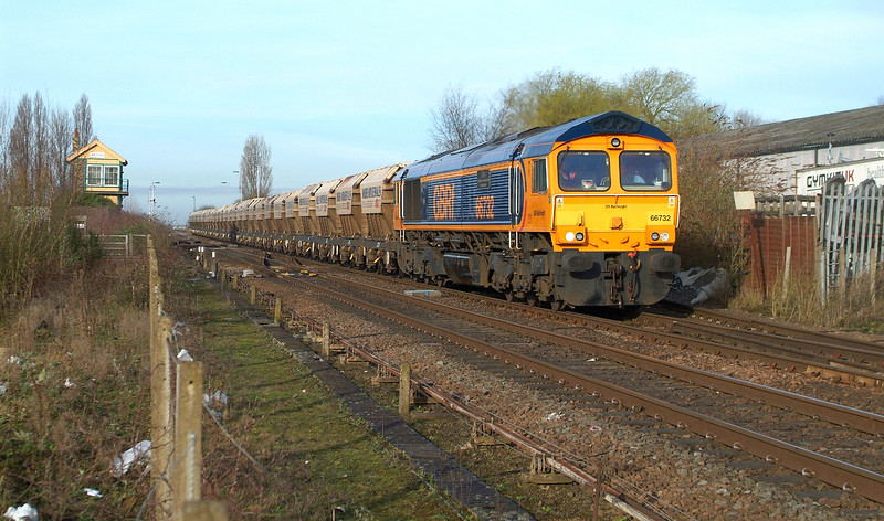 Just 4 days later and I'm back.  Not the promised full blue , but a  glimmer of light catches 66732 at Whittlesea 13.3.2017 08.04hrs. 6L97 07.45 Peterborough Virtual GBRf-Middleton Towers.