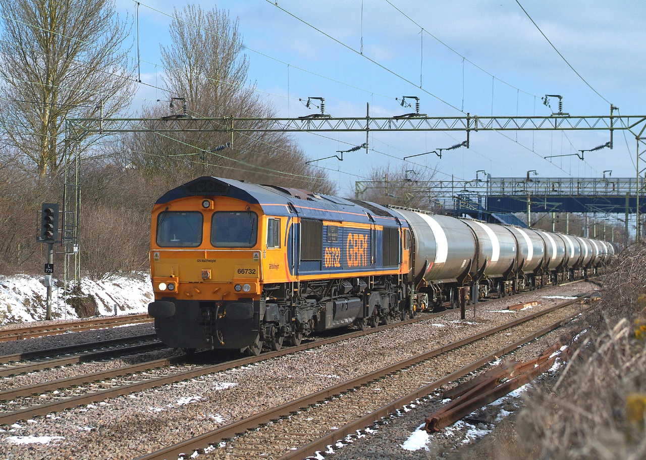 66732 Witham. Bitterly cold 19.3.2018 09.55hrs. 6P40 06.00 Harwich Refinery CRLS SLVS-N.Walsham GBRf. diverted via Witham, Stratford, Cambridge, Ely, etc. due to frost damage to points at Manningtree.