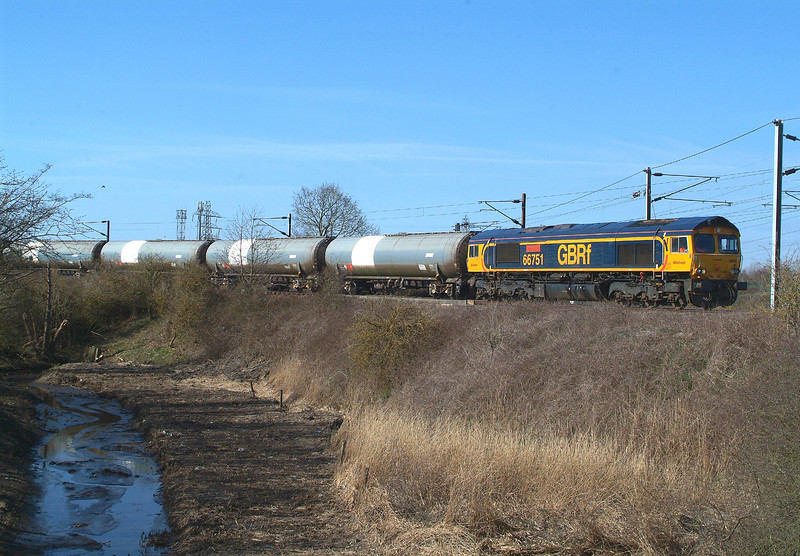 66751 Manningtree 26.3.2018 11.07hrs. 6P41 09.57 Harwich Refinery CRLS SLVS-North Walsham GBRf.  Big Thank You to whoever cleared the reeds, scrub, and ditch.
