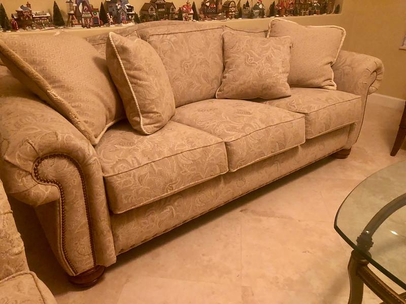 Lazy Boy Sofa 90 inch