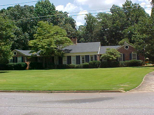 The Estate of Mr. & Mrs. Hugo Starling <br /> 305 Cherokee Road-Thomaston, Ga. 30286<br /> December 18th & 19th 2009