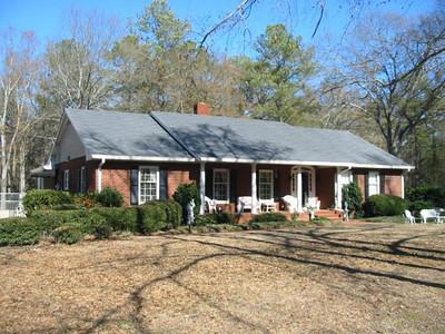 The Living Estate Of & Mr. & Mrs. Thomas W. Grace
