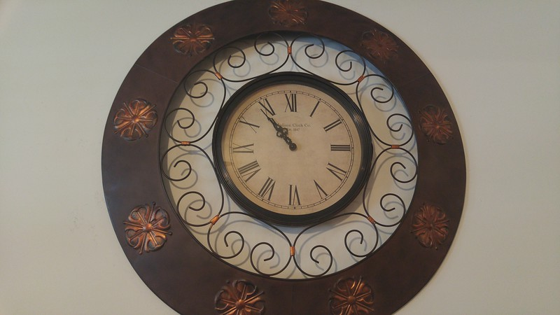 Very large ornate wall clock 50.00