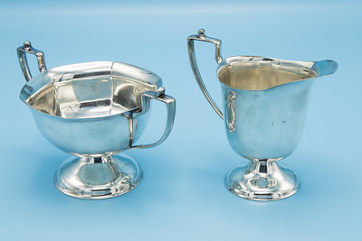 "WM. MOUNTS - SILVER PLATE HOMAN PLATE ON NICKEL - SUGAR BOWL & CREAMER - 6 1/8"" W X 3 1/2"" H       4 1/4"" W X 4 1/8"" H"