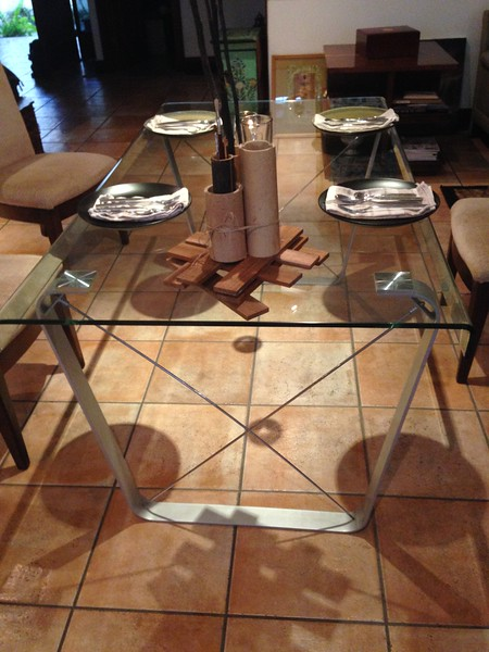 DINING TABLE with curved edges