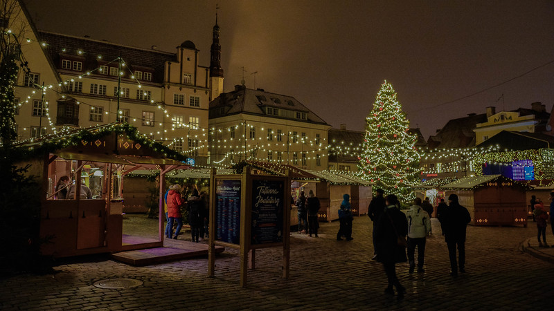 christmas in old town square tallinn