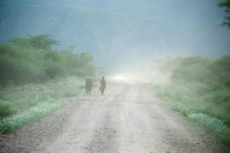 The dusty road to Turmi