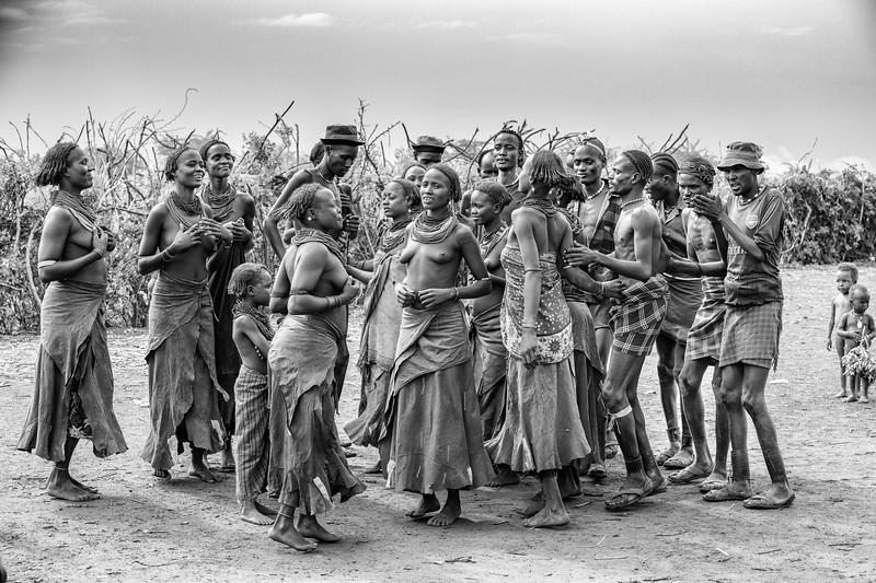 Village Dassenech dance