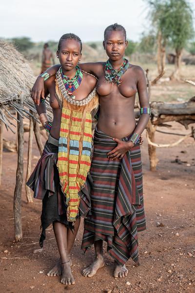 Hamar girls adorned